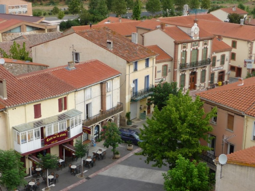 Tautavel-1-labri-sous-roche-village-chateaux-cathare-66