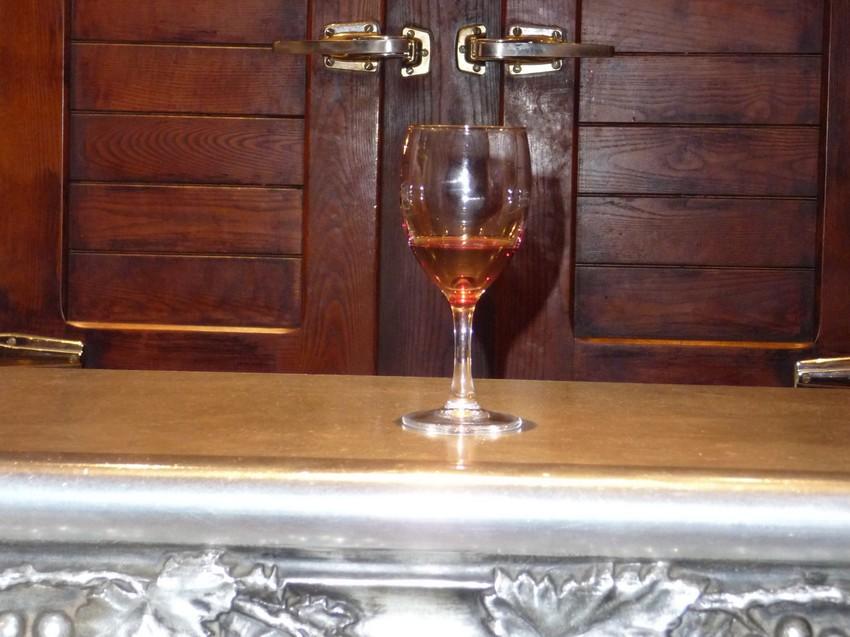 Tautavel-C-appelation-bar-a-vin-vigne-1-Côte-du-roussillon-village-vigneron
