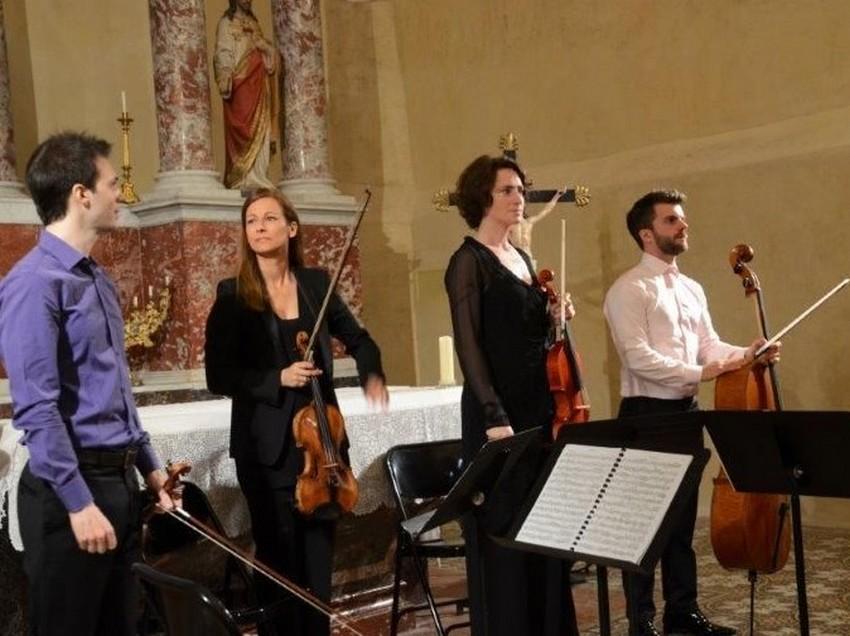 Tautavel-en-musique-6-quator-spiritosi-église