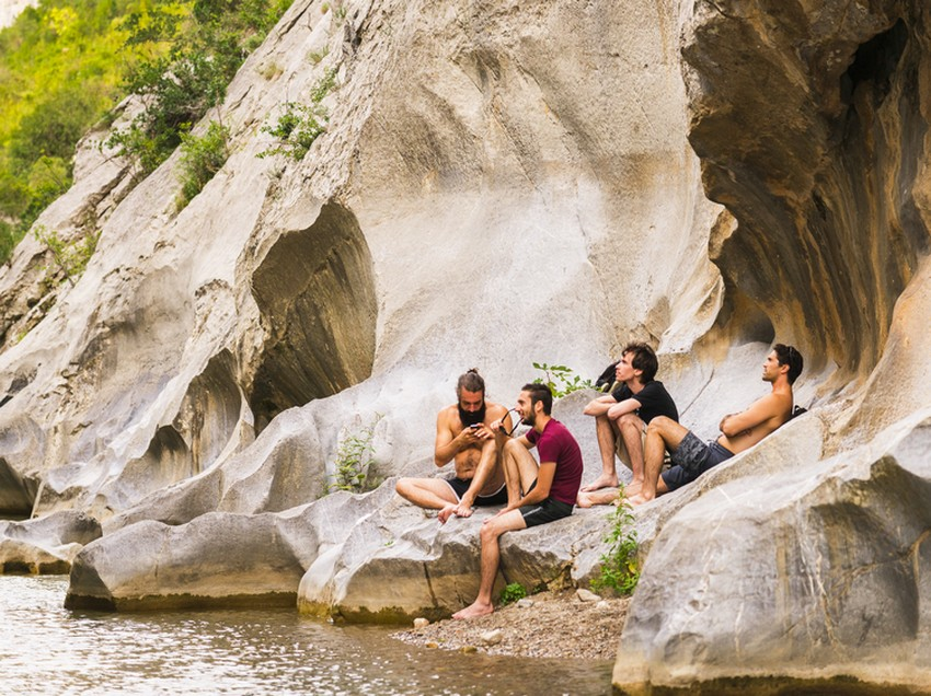 Tautavel-4-baignade-escalade-vartape-gouleyrous-chambre-d-hôtes-gîtes-66-location-saisonniere
